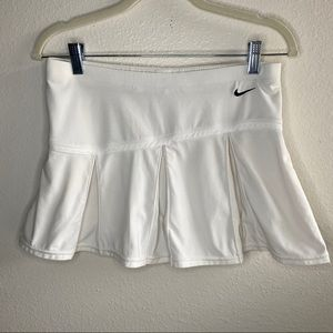 Nike Pleated White Tennis Skirt Shorts Small Black
